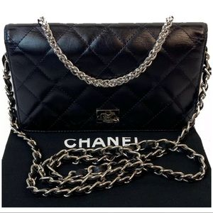 CERTIFIED AUTH. CHANEL CC QUILTED LAMBSKIN WALLET
